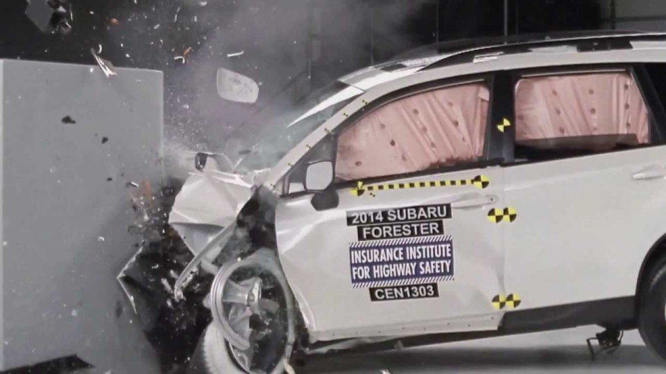 TEST CRASH FORESTER 2014